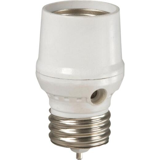 Westek Screw-In White Dusk To Dawn Photocell Lamp Control